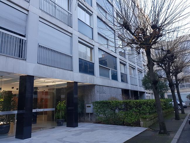 Vue extérieure du CARISM, avenue Vavin à Paris