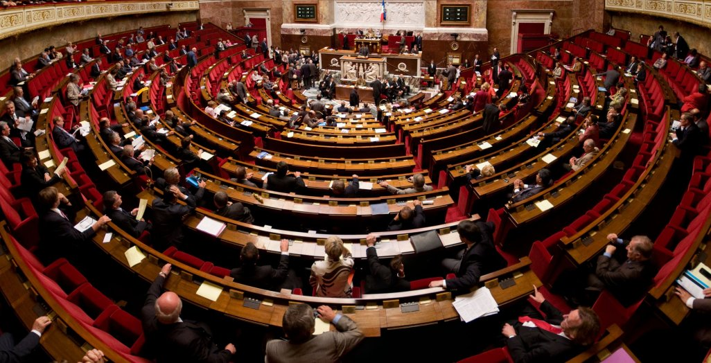 panorama_de_lhemicyle_de_lassemblee_nationale.jpg